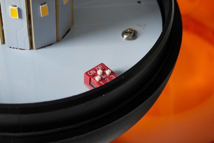 Avertizor optic ,,girofar'' cu LED SMD 186D cu 3 funcții