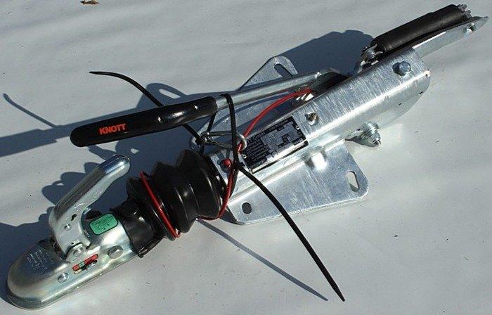 Frână inerțială pentru remorci auto - KNOTT KF20 A 2000kg