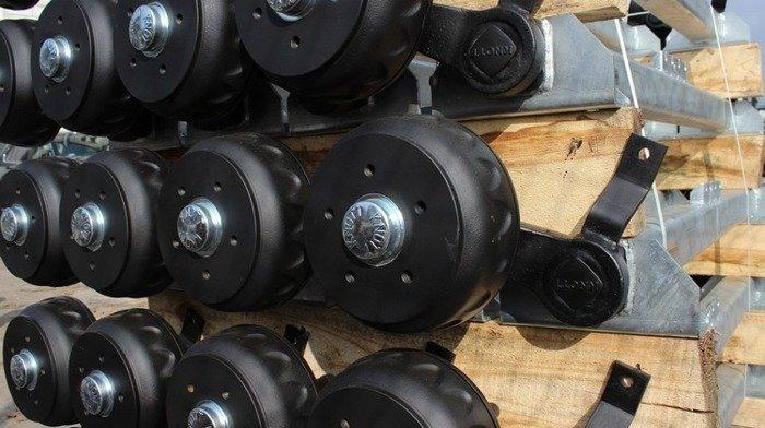 Osie cu frână pentru remorci auto - KNOTT 1400 mm 1350 kg 5x112