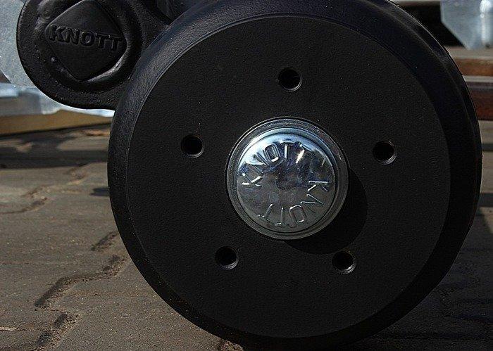 Osie remorcă frânată marcă KNOTT 1200 mm 1350 kg 5x112