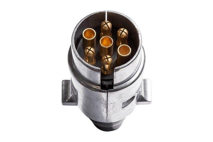 Priză pentru remorci cu 7-PIN cu carcasa din metal
